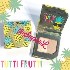 🧸 2/$15 Too Faced Pineapple Highlighter Bronzer